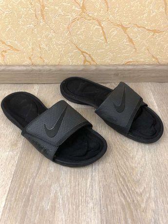 Шлепанцы Nike 44 размер(по стельке 28.5см)