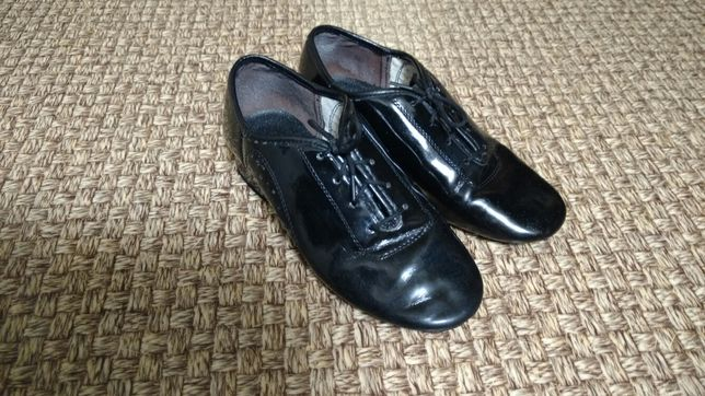 Бальные лаковые турнирные туфли для мальчика