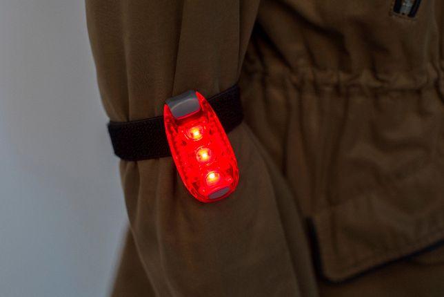 Klip odblaskowy z diodą LED i rzepem dla biegaczy