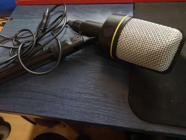 Mikrofon stojący