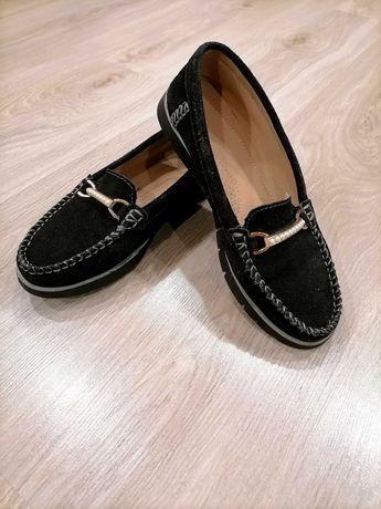 Замшевые туфли для девочки!