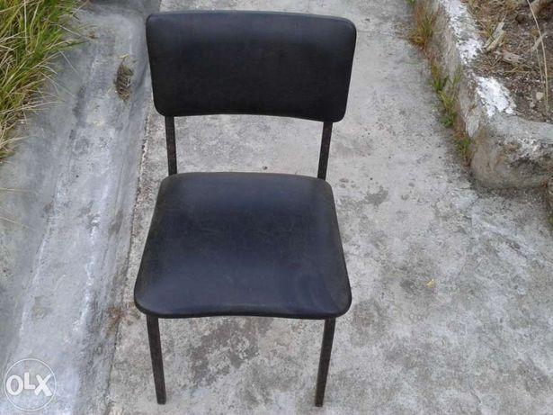 Magnifica Cadeira Vintage da Marca Handy