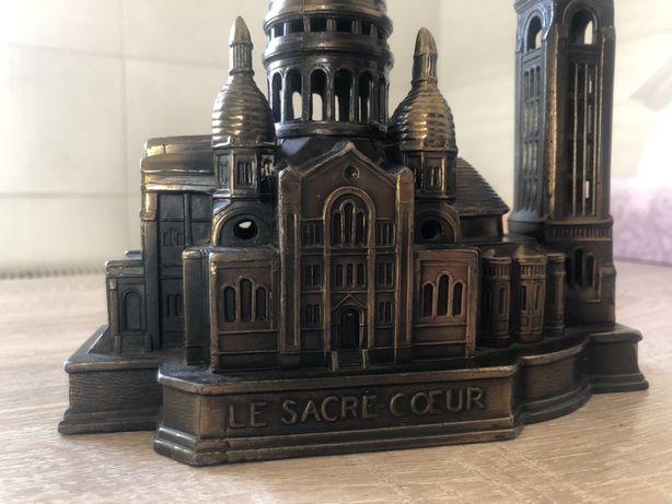 figurka bazyliki Le Sacre- Coeur, pamiątka z Francji, Paryż ok1960 rok