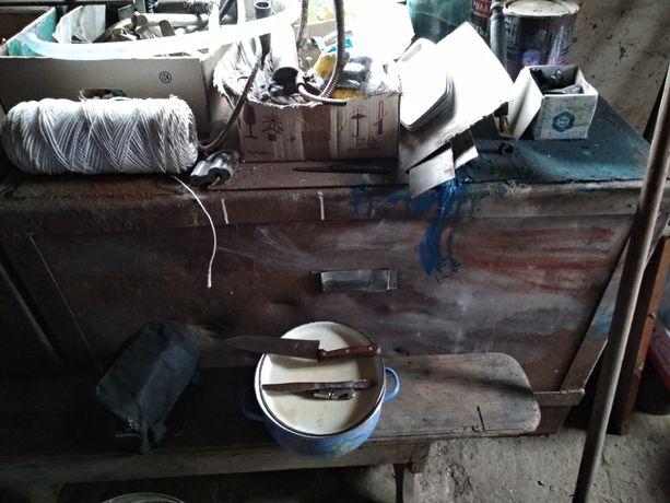 Ящик-стол металлический с крышкой для зерна