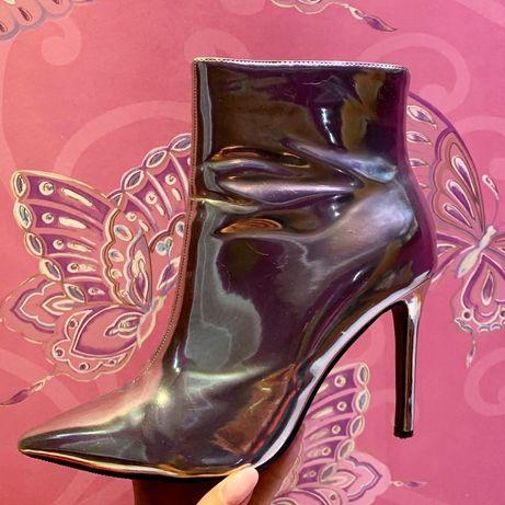 Ботильоны сапоги ботинки на каблуке металлик