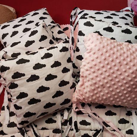 Komplet do łóżeczka kołderką i poduszki