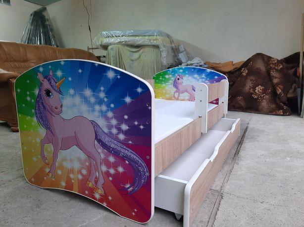 Дитяче ліжко з матрацом