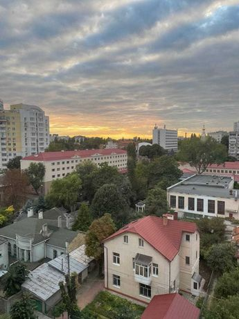 Продам 3-комнатную квартиру ул. Пионерская