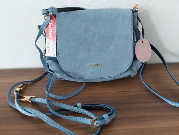 Torebka zamsz Coccinelle błękit torba listonoszka koktajlowa niebieska