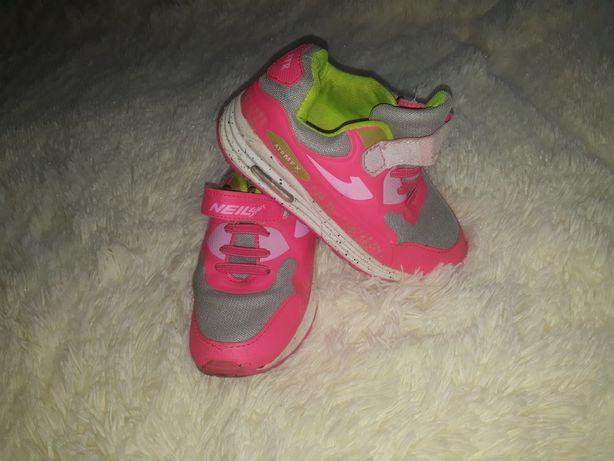 Бу кроссовки после одной девочки. Размер 30