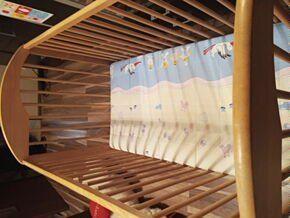 Łóżeczko dziecięce drewniane Cieszyn - image 1