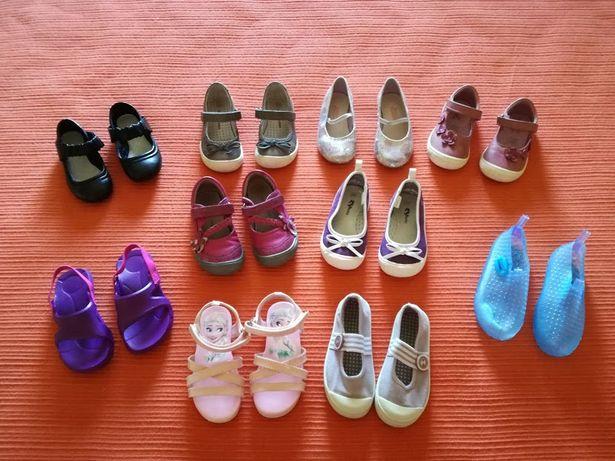 Lote Sapatos/Sabrinas, 24