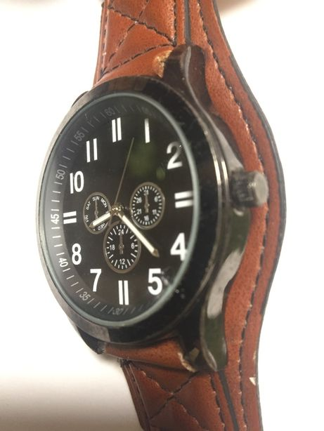 Годинник оригінал.вир.Японія,корпус-нерж.сталь,скло,підсвітка.Ц-450гр