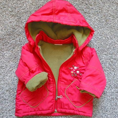 Демисезонная курточка на девочку 6-9 мес. в отличном состоянии