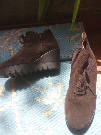 Sapatos e sandálias 37