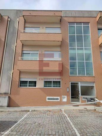 Apartamento T3 Arões Sta Cristina - Fafe Com Garagem Fechada