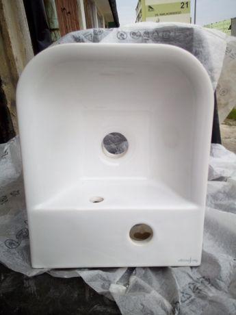 Umywalka ceramiczna nowa.