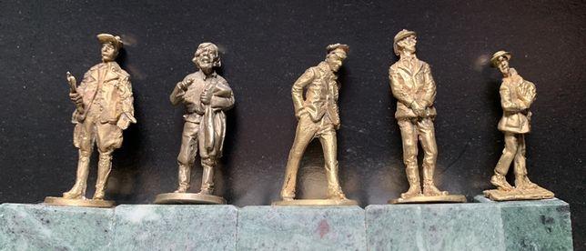 Подарочный Набор бронзовых статуэток «12 стульев»