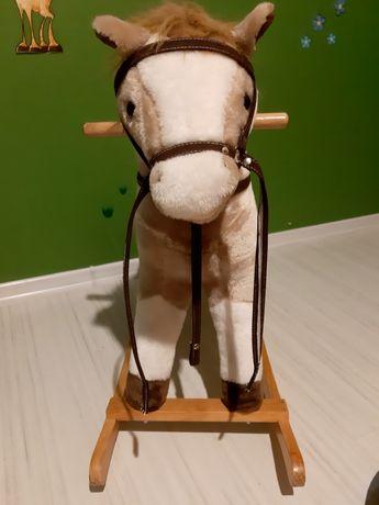 Konik na biegunach Henuec koń na biegunach