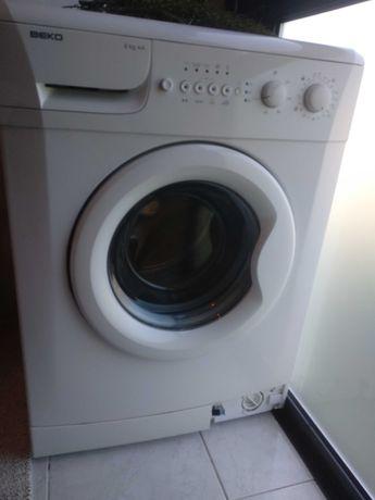 Máquina de lavar roupa BEKO