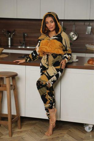 Женские костюмы велсофт Камуфляж с капюшоном! штаны(на манжете)