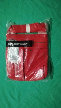 Czerwona nowa torebka