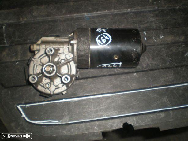 Motor limpa vidros frente 67638362155 0390241355 BMW / E46 / 1999 / BOSCH /