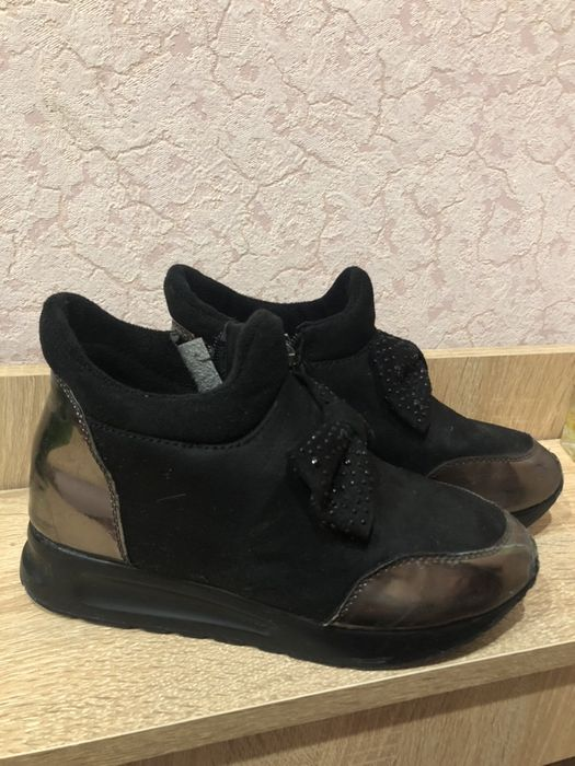 Продам ботиночки Малая Лепетиха - изображение 1