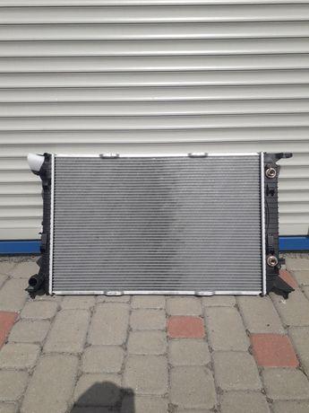 Радиатор охлаждения воды радіатор охолодження  Ауди КЮ5 А4 Audi Q5 A4