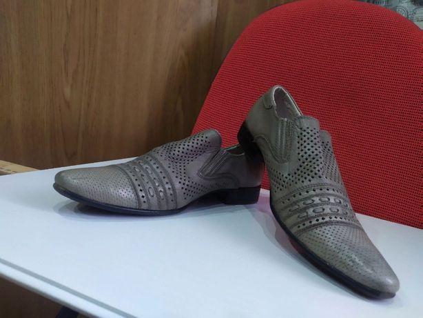 Продам ТУФЛИ классические, кожаные, новые, размер 37.