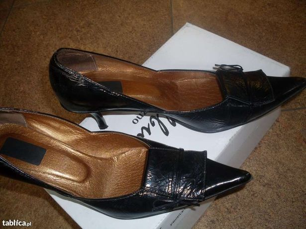 Eleganckie buty czarne. Skórka LAKIEROWANA.
