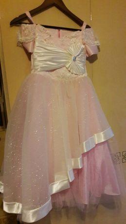 Платье для девочки дизайнерское.