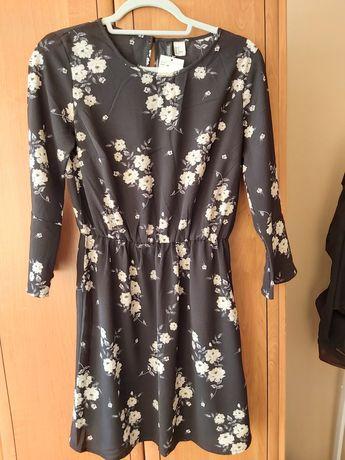 Nowa czarna sukienka h&m w białe kwiaty