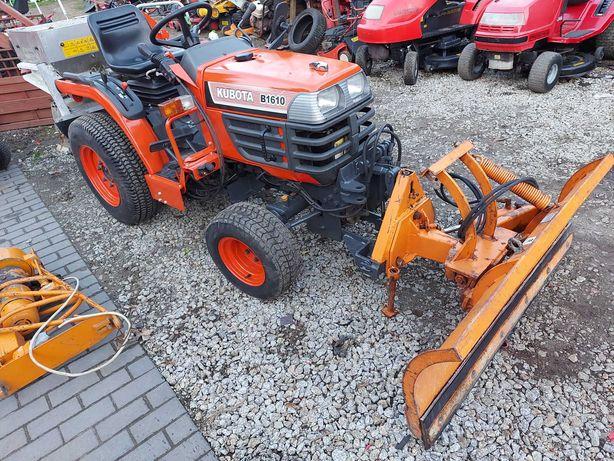 Traktorek Komunalny Kubota B1610 , Pług Solarka , Trzy Cyl Diesel 4x4