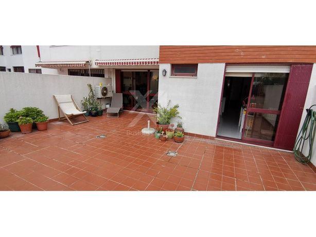 Apartamento T2 com terraço, junto ao Parque dos Poetas em...