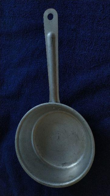 Ковш ковшик алюминиевый кухонный с длинной ручкой 1.2 литра