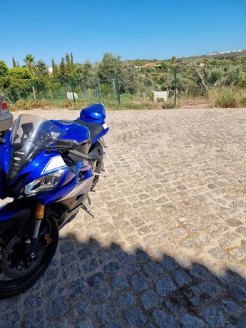 Yamaha r6 rj11 vendo ou troco mt07/mt09