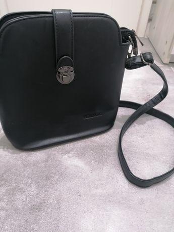 Sprzedam czarna torebkę