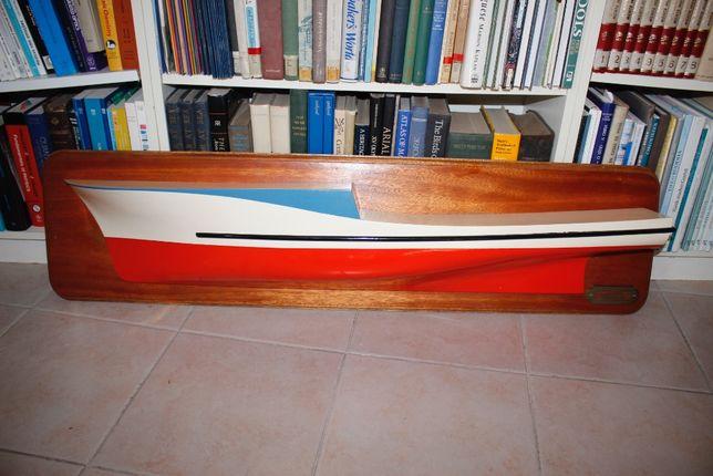 Barco Atuneiro-Em madeira-Escala: 1/25-Decorativo-Prateleira-Estante