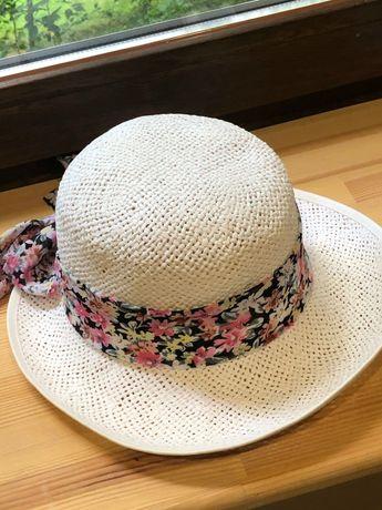 Шляпа летняя белая с лентой Румыния