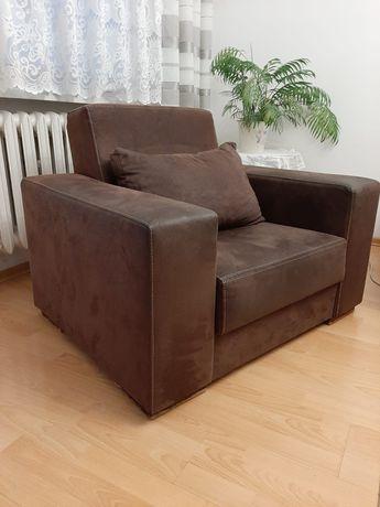 Fotel z szerokimi oparciami, stan bdb