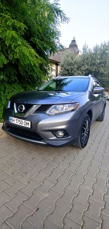 Nissan rogue SL 2.5