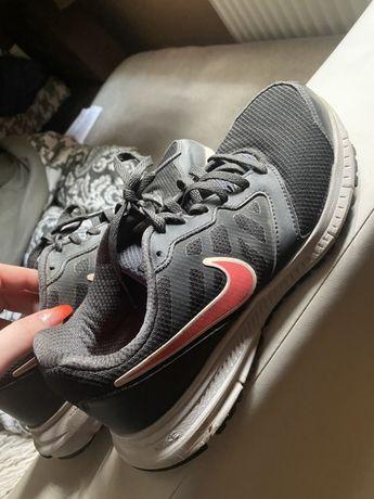 Nike Downahifter 6 rozmiar 40,5