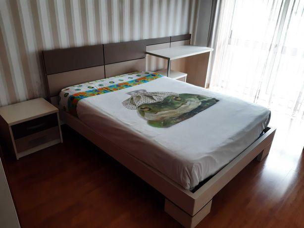 Mobilia Casal + Secretaria + camiseiro + colchão + estrado