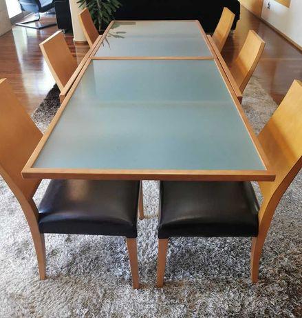 Mesa de madeira com tampo em vidro fosco Extensível + 8 Cadeiras