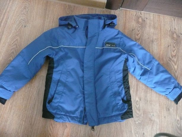 Деми курточка . 104-110