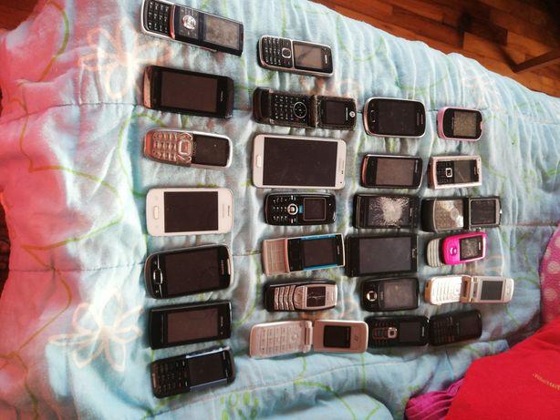 Lote de 26 telemóvel para uso de peças