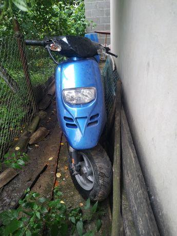 Продам скутер піаджіо тайфун в неробочому стані