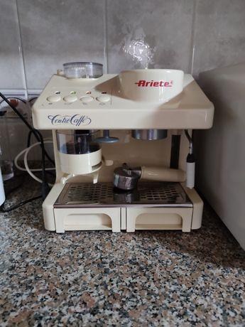 Vendo Máquina de Café com Moinho