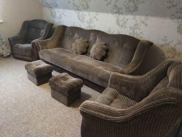 Диван, 2 кресла, 2 пуфика, 2 подушечки